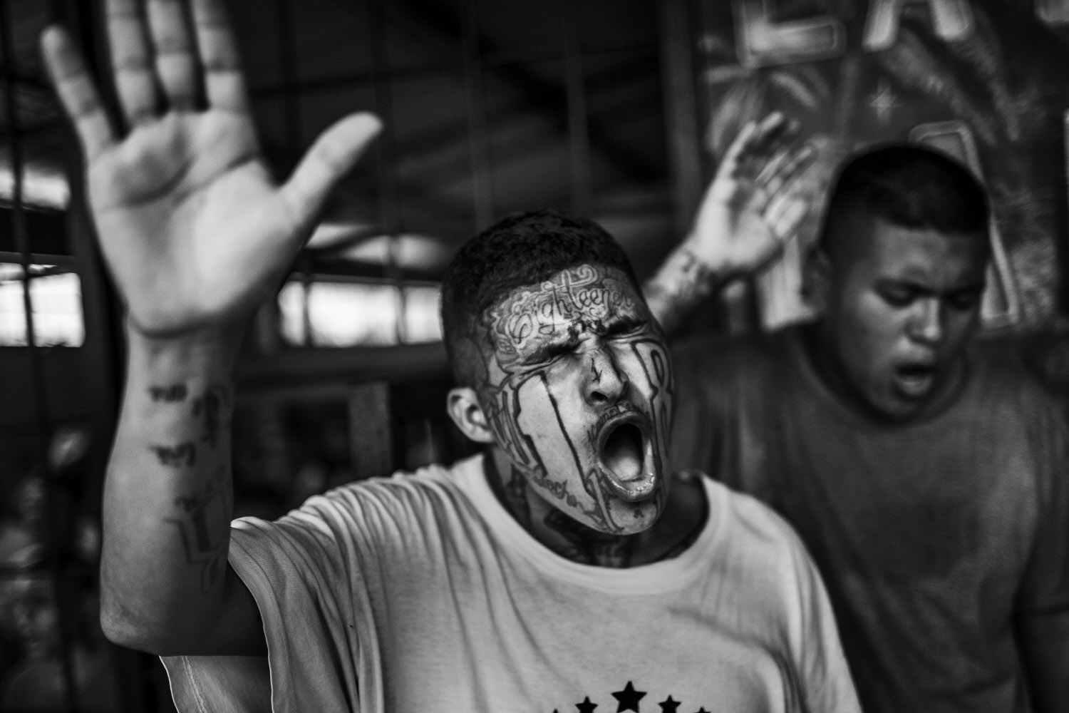 10 Examples Of Powerful Visual Storytelling In Photos Urth Magazine